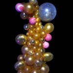 balloon decorator - organic balloon column